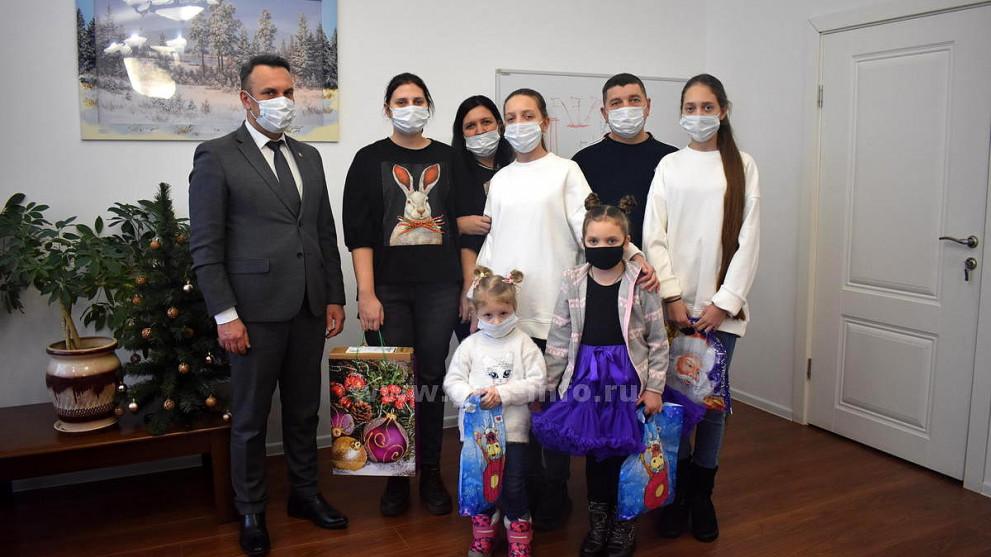 Под Новый год сбылись мечты детей из Гусь-Хрустального района. В акции «Елка желаний» принял участие Алексей Кабенкин