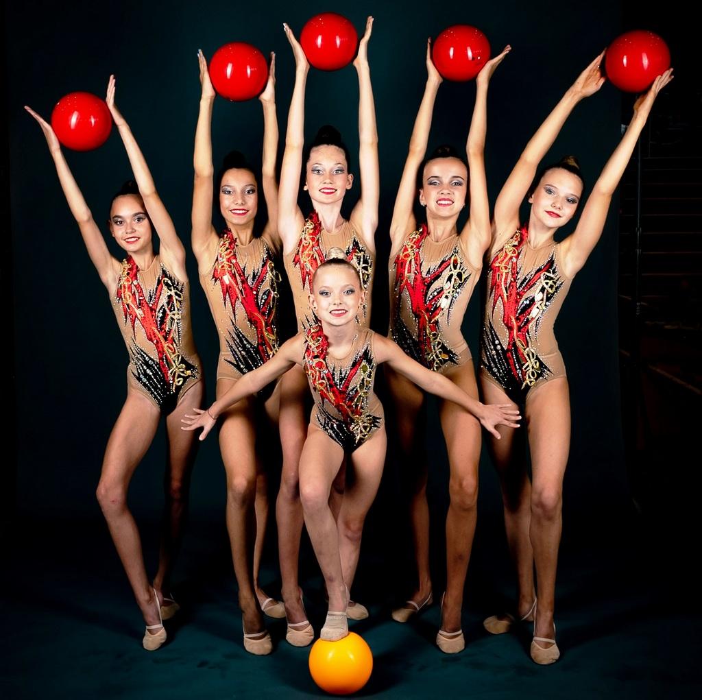 Гимнастки из Гусь-Хрустального успешно выступили на соревнованиях по художественной гимнастике в Суздале и Саранске