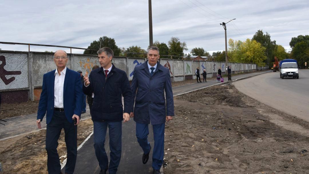 Спикер ЗС Владимир Киселев оценил качество дорожного ремонта в Гусь-Хрустальном